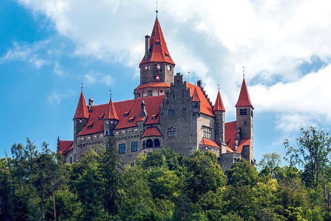Zamek w Bouzovie został kupiony przez Krzyżaków w 1696 r.
