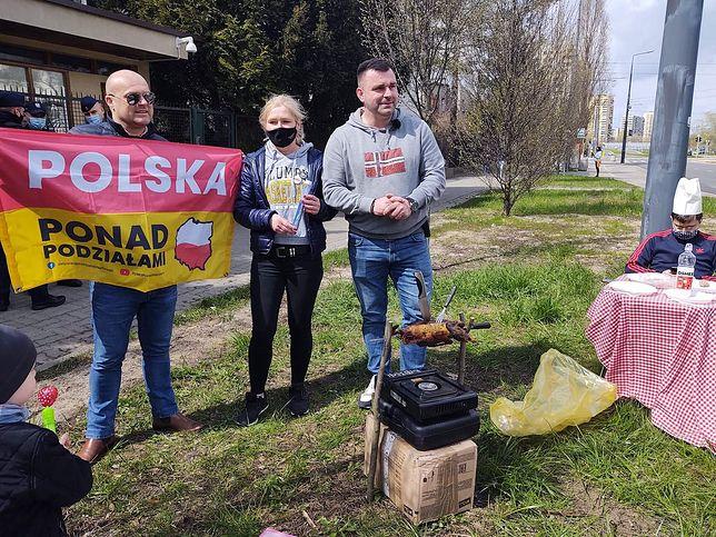 Pod oknami Jarosława Kaczyńskiego szykuje się huczna majówka