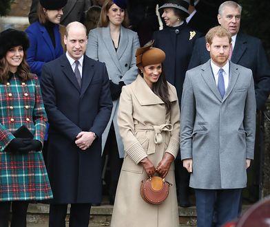Księżniczka Eugenia (w szarym płaszczu) razem z rodziną.