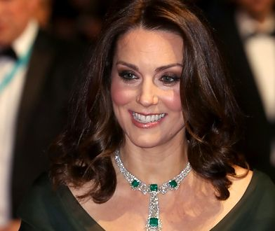 Księżna Kate nie protestuje przeciwko molestowaniu. Włożyła zieloną sukienkę
