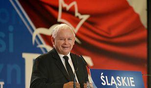 """PiS podkreśla, że za jego rządów Polska """"wstała z kolan"""". Najwyraźniej coś poszło jednak nie tak"""