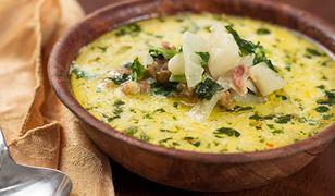 Ziołowe zupy, idealne na lato. Aromatyczny pomysł na obiad