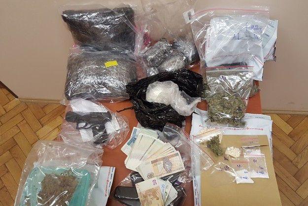 CBŚP zatrzymało gang handlarzy narkotyków z Wolsztyna