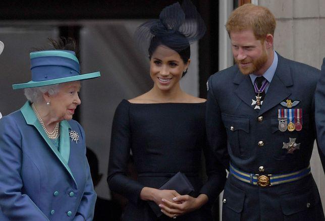Harry i Meghan nie mogli poinformować królowej o narodzinach prawnuczki osobiście