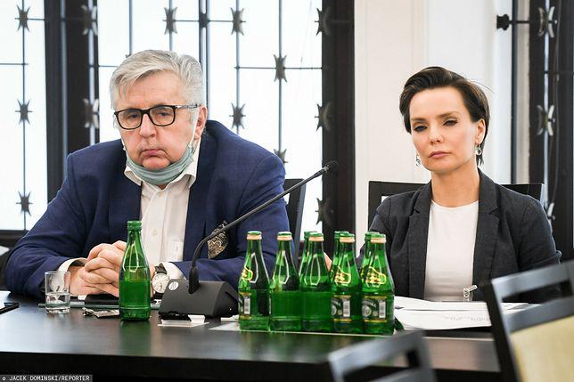 Tomasz Kowalczewski i Agnieszka Kamińska z Polskiego Radia przed komisją senacką