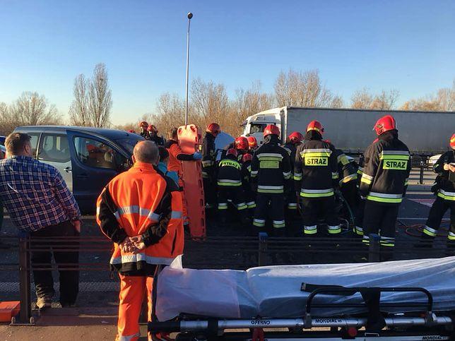 Na miejscu wypadku jest straż pożarna