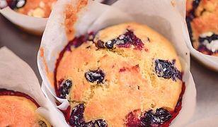 Muffinki z owocami. Osłodzą letnie popołudnie