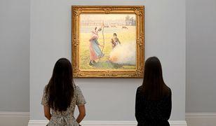 Pracownik słynnego muzeum nie wpuścił kobiety. Powodem był dekolt
