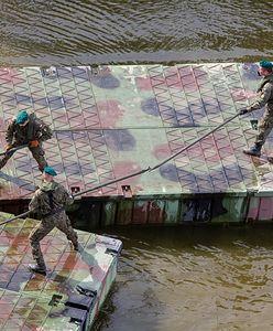Wojsko wystawiło miejskiej spółce fakturę za most pontonowy przez Wisłę