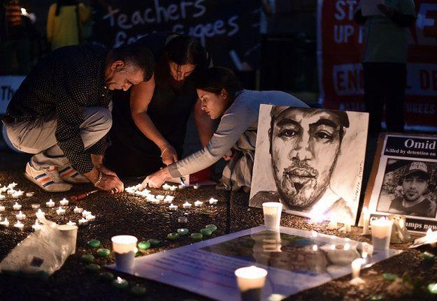 Zgromdzenie w Sydney po śmierci 23-letniego Irańczyka, kilka dni później samopodpalenia dokonała młoda Somalijka