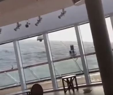 "Kadr z nagrania ze statku ""Viking Sky"""