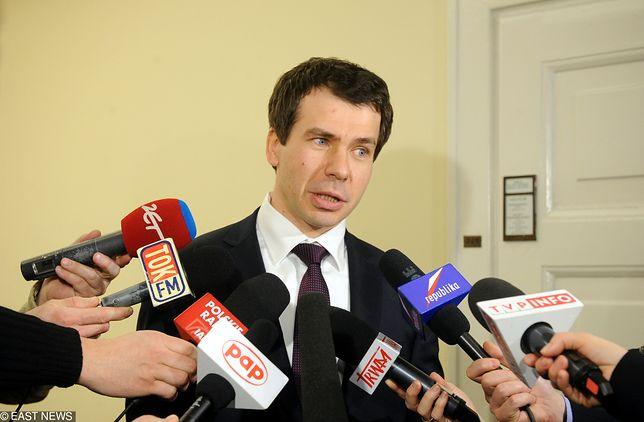 Szef CBA Ernest Bejda miał milczeć o nieprawidłowościach w Biurze
