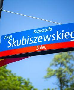 Warszawa. Aleja Krzysztofa Skubiszewskiego. Dyplomata uhonorowany w parku Mazowieckiego