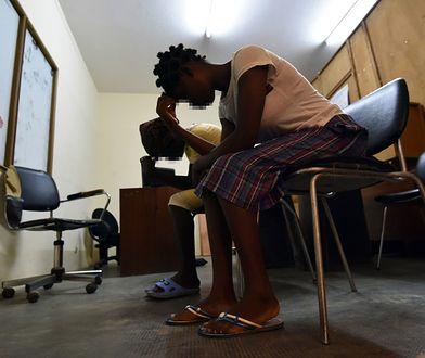Liberyjki - 17-latka i jej 15-letnia niepełnosprawna kuzynka, która urodziła dziecko po zbiorowym gwałcie, uciekły do Wybrzeża Kości Słoniowej