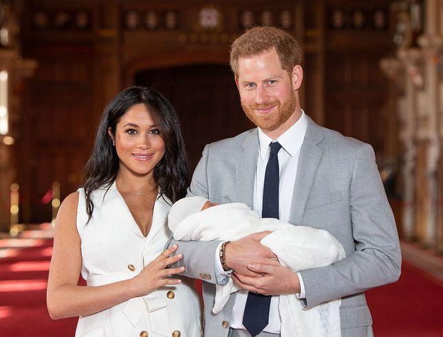 Meghan i Harry są rodzicami 4-miesięcznego Archiego. Po raz pierwszy zabrali synka na służbowy wyjazd