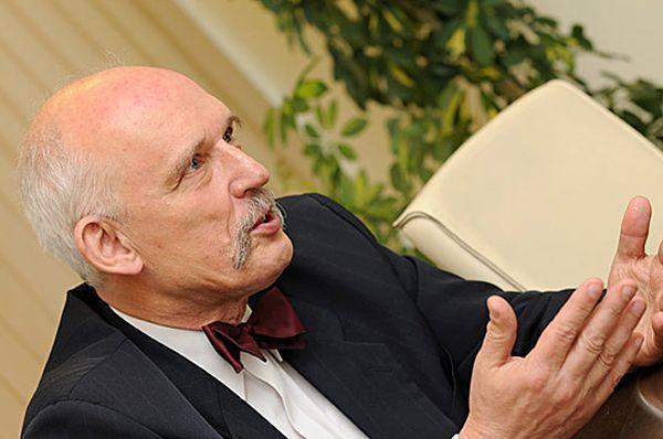 Austriacki europoseł: Janusz Korwin-Mikke zasnął w Parlamencie Europejskim