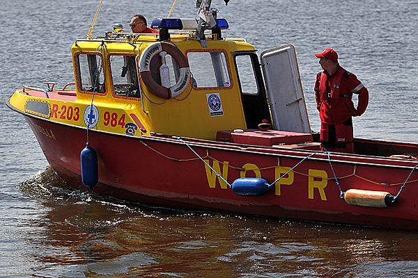12-latek wypadł z kajaka na jeziorze Kałębie. Trwa akcja