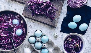 Naturalne barwienie jaj. Tanio, ekologicznie i bez niepotrzebnej chemii
