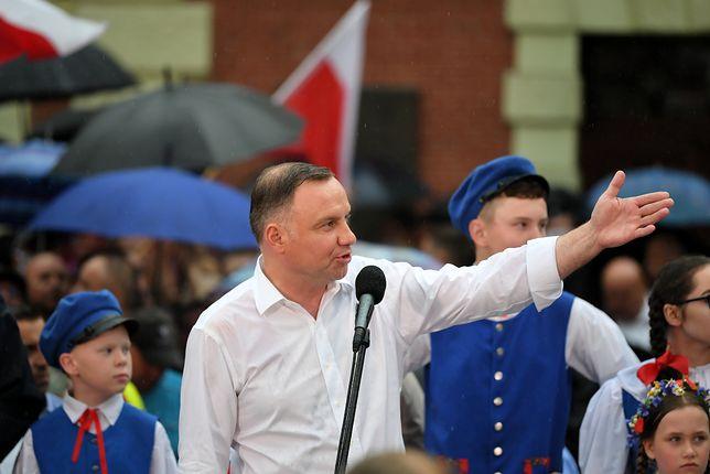 Wybory 2020. Prezydent Andrzej Duda podczas wiecu wyborczego