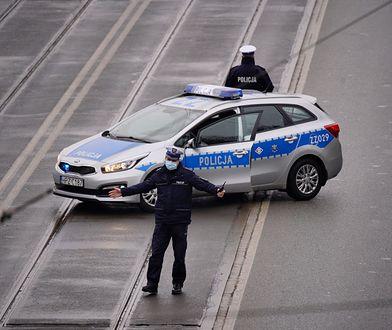 Warmińsko-mazurskie. Kolizja 4 radiowozów policji. Mundurowi w szpitalu