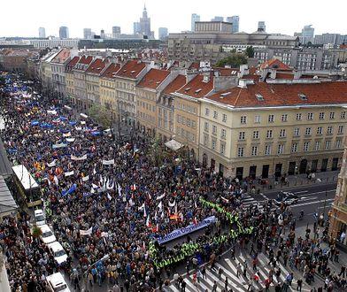 """Ulicami Warszawy przejdzie w sobotę Marsz Wolności PO. """"To ostrzeżenie dla PiS"""""""