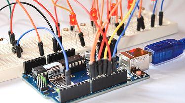 ECS Liva Z2L – miniaturowy komputerek ze złączem GPIO dla fanów elektroniki - Platforma Arduino to najlepszy przykład użycia GPIO. Źródło: Depositphotos
