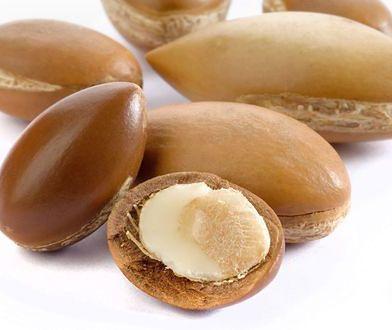 Olej arganowy w kuchni. Pachnie orzechami i obniża cholesterol