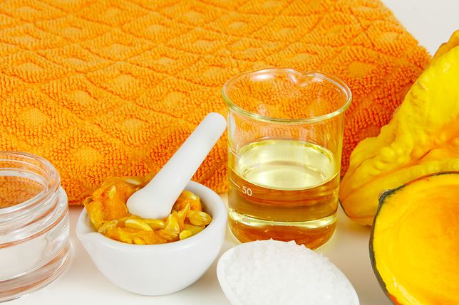 Domowe maseczki regenerujące warto stosować regularnie