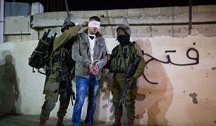 Izraelscy żołnierze aresztują Palestyńczyka niedaleko Betlejem