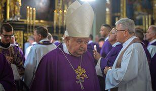 """Makowski: """"'Jakoś to będzie' nie wystarczy. Polski Kościół stoi nad przepaścią"""" [OPINIA]"""