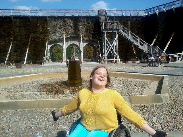 """Katarzyna Król, administratorka strony """"Sprawni - niepełnosprawni. Znajdujemy miłość i partnerstwo"""""""