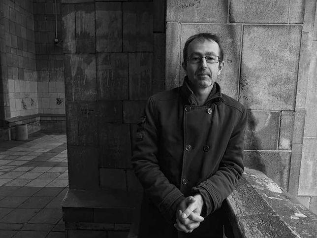 """Petr Zelenka, reżyser komedii """"Zagubieni"""", w wyjątkowej sesji Piotra Porębskiego"""