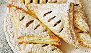 Rożki ciasta z francuskiego. Idealny dodatek do kawy