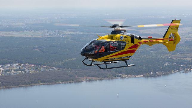 Tychy. Mimo wezwania helikoptera LPR nie udało się uratować mężczyzny, który wypadł z okna.