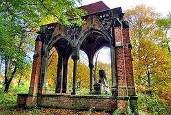 Dolny Śląsk - zrujnowane mauzoleum w Jałowcu