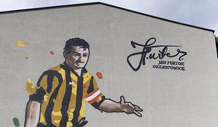Katowice. Jan Furtok ma swój mural, to żywa legenda GieKSy