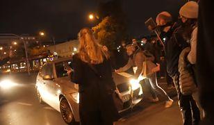 Oficer ABW wjechał samochodem w tłum protestujących