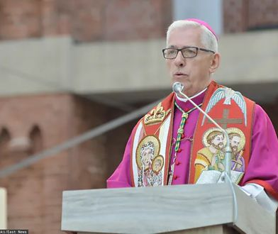 Metropolita katowicki abp Wiktor Skworc dziękował PKN Orlen za wykupienie prasy regionalnej