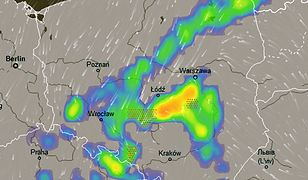 Prognozowane strefy deszczu i burz nad Polską we wtorkowe popołudnie