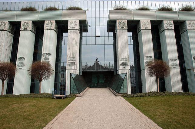 KE rozpoczęła procedurę wobec Polski w sprawie Sądu Najwyższego