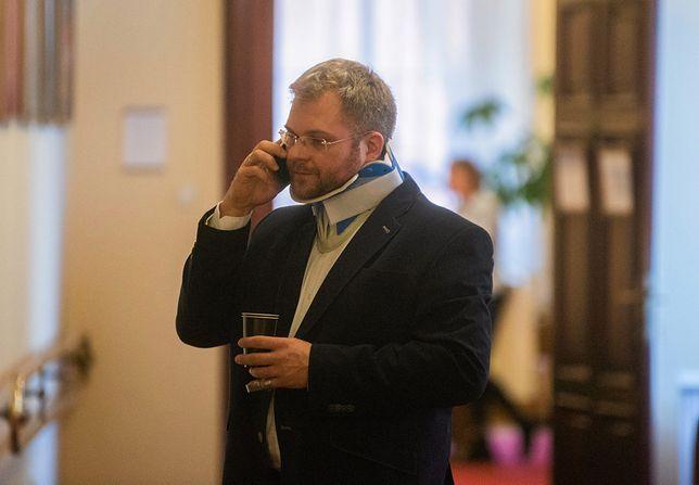 """Rafał Piasecki chce odkupić winy. Zakłada fundację """"Dobro za zło"""""""