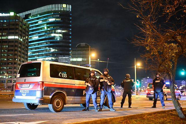 Austria. Strzały w Wiedniu. Trwa obława na terrorystów. Rośnie liczba ofia