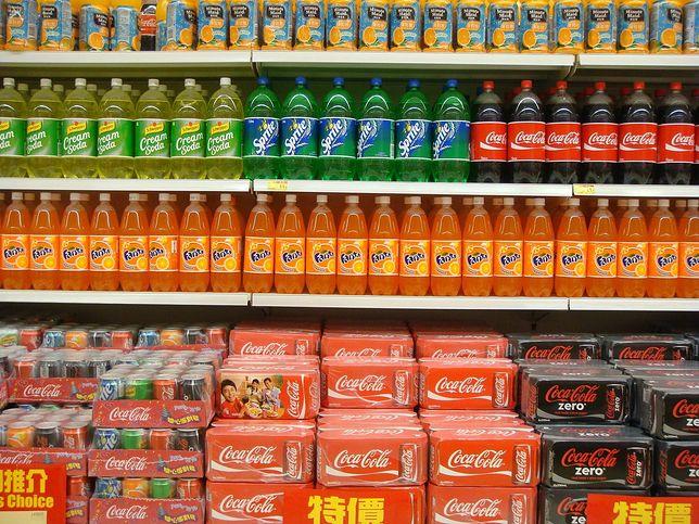 Butelki, w których sprzedawane są napoje, potwornie zanieczyszczają środowisko