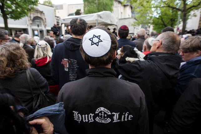 Jarmułkowa demonstracja przeciw antysemityzmowi