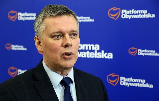 """Tomasz Siemoniak ostro skrytykował Macierewicza. """"Żyje Smoleńskiem, zamiast być dobrym ministrem obrony"""""""