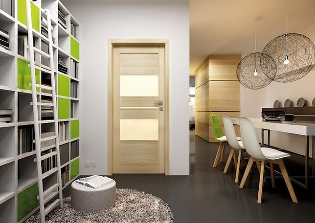 Oryginalne przeszklenie lub interesujący kolor drzwi sprawią, że mieszkanie nabierze wyrazu