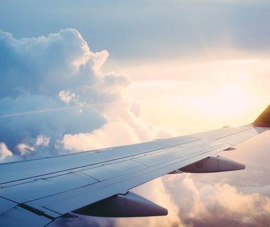 Szczepionka na COVID warunkiem wejścia na pokład samolotu? Pierwsza linia lotnicza zdecydowała się na taki krok