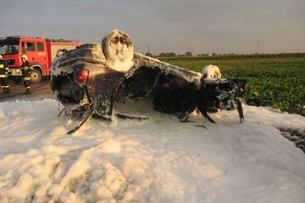 Kierowca spłonął w pożarze samochodu pod Jarocinem