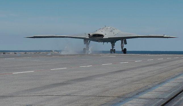Pentagon strzela sobie w stopę? Zmarginalizowano przeznaczenie rewolucyjnej maszyny wojskowej X-47B