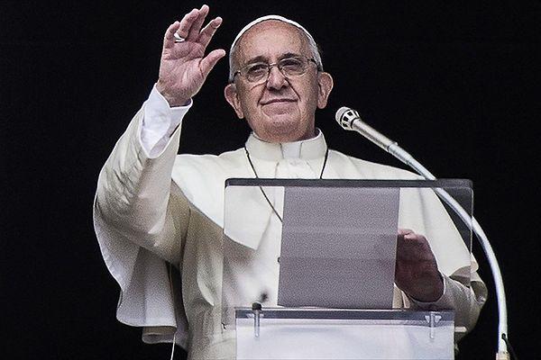 Papież Franciszek: Bóg nie ma magicznej różdżki